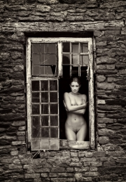 The-Broken-Window-art-nude-maunsel-house-trevor-yerbury